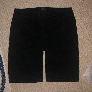 American Eagle black Bermuda shorts